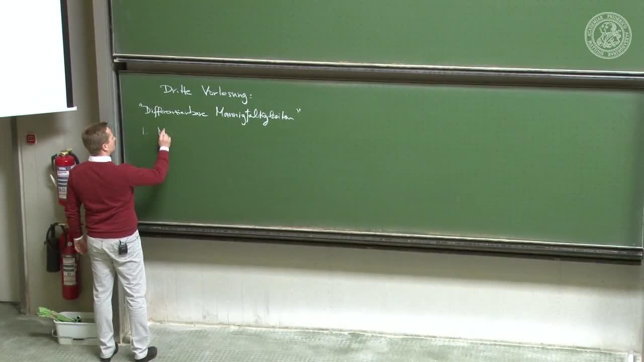 Theoretische Mechanik: Differenzierbare Mannigfaltigkeiten preview image