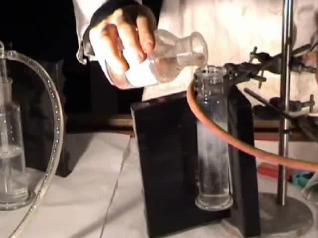 Allgemeine und Anorganische Chemie (mit Experimente) preview image