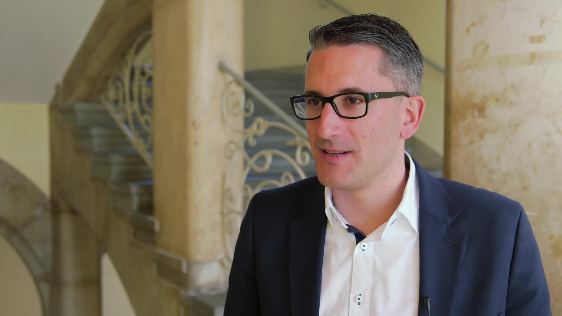 Prof. Dr. Sven Laumer - Wie IT hilft, Unternehmen besser zu gestalten preview image